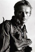 File:Bruce Chatwin.jpg