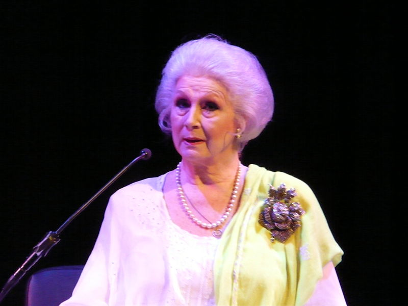 File:An Evening With April Ashley at the Southbank Centre4.jpg